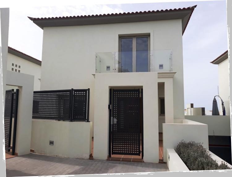 Villa indipendente Arona Euro 525.000,00