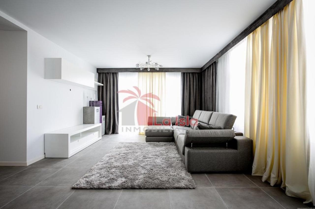 Casa fuori città Arona Euro 590.000,00